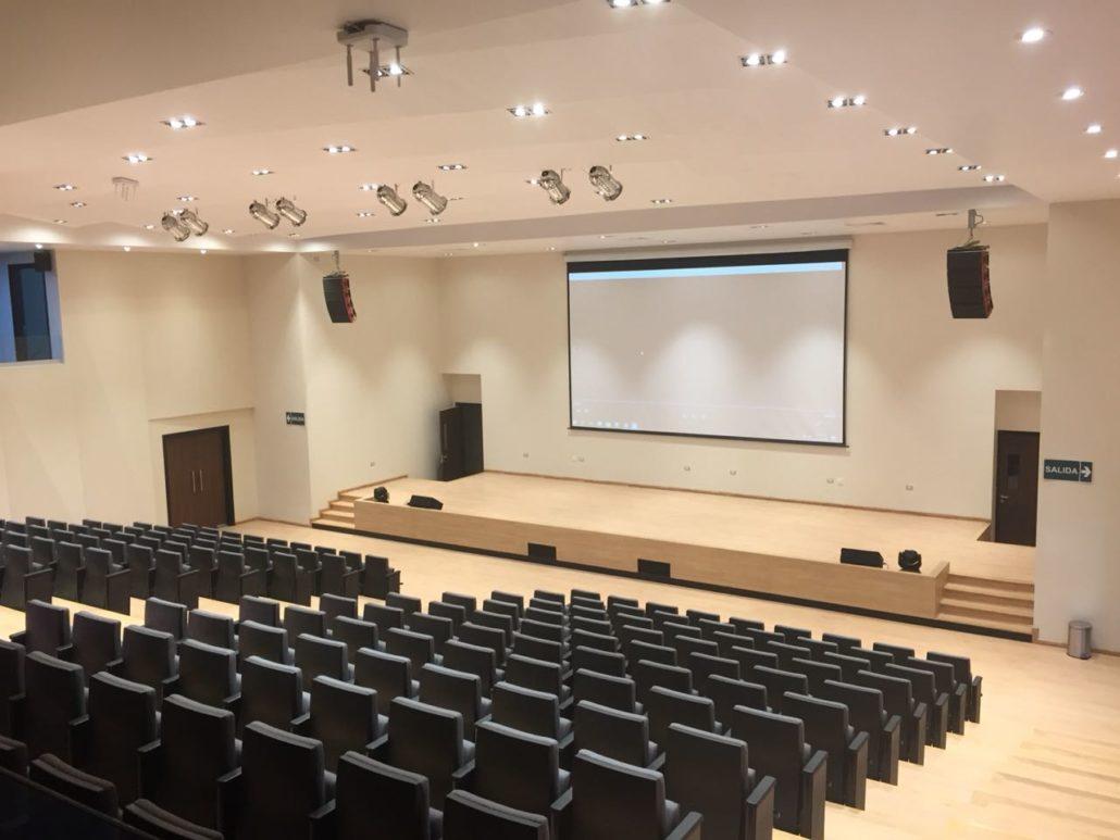 Stanich Gema en la universidad Univalle Bolivia