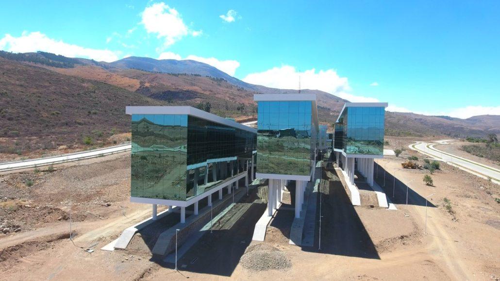 Sistemas Stanich en el auditorio principal de la nueva sede de la UNASUR, Bolivia.